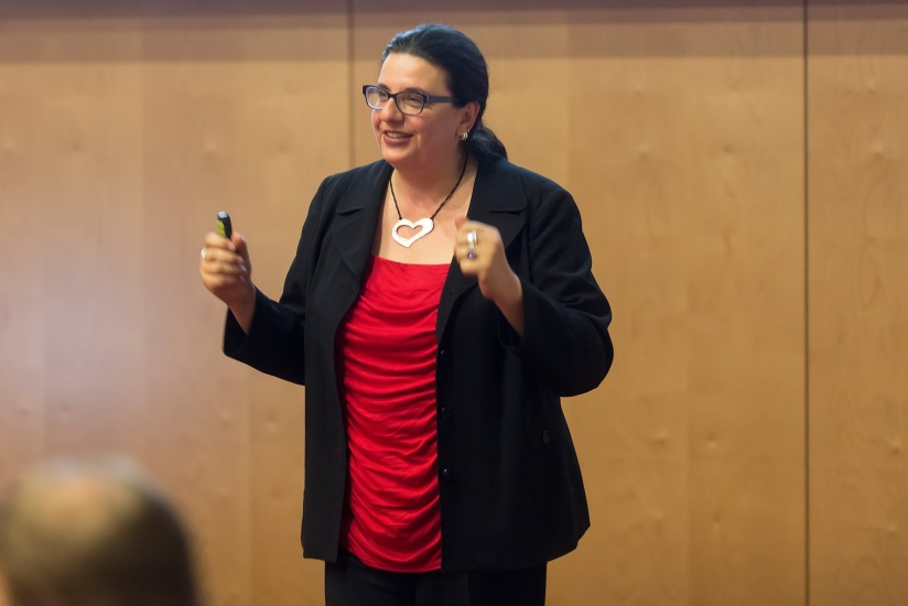 How to Prepare and Deliver a Powerful Presentation: A Workshop by Tracie Marquardt